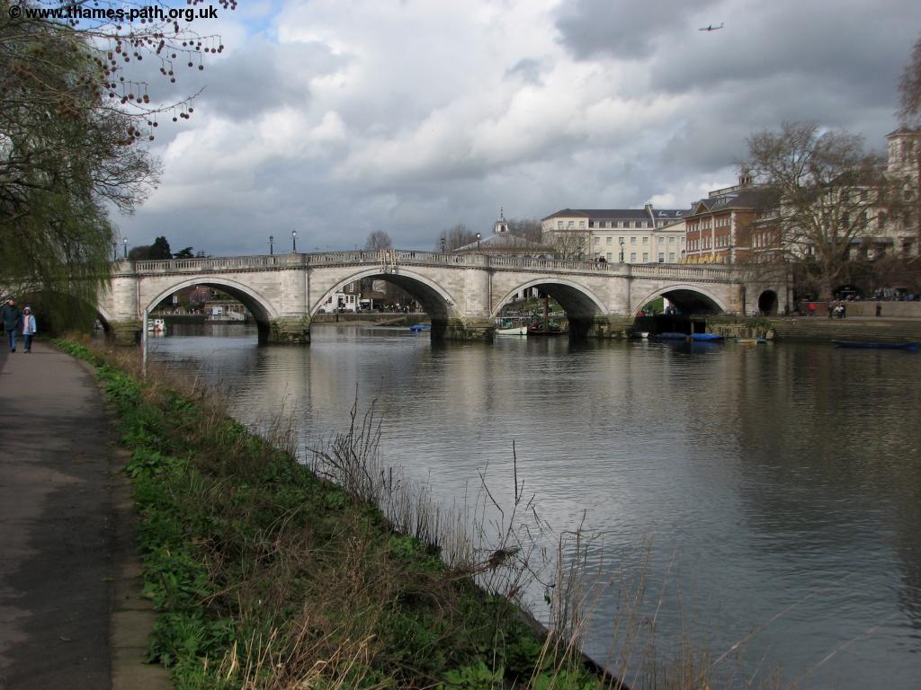 The Thames Path - Barnes to Teddington